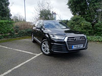 Audi Q7 3.0 TDI 218 Quattro S Line 5dr Tip Auto Estate Diesel Black at 1st Choice Motors London