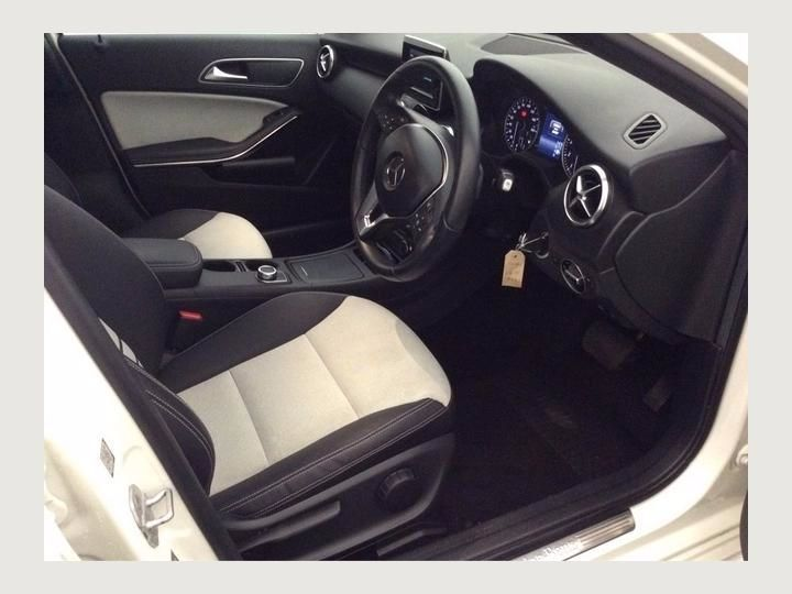 2015 Mercedes-Benz 180 1.6 A180 BLUEEFFICIENCY SE AU