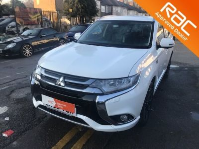 Mitsubishi Outlander 2.0 PHEV GX4h 5dr Auto Estate Petrol / Electric Hybrid White at 1st Choice Motors London