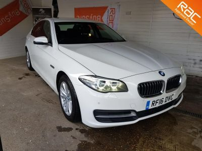 BMW 5 Series 2.0 520d [190] SE 4dr Step Auto Saloon Diesel White at 1st Choice Motors London