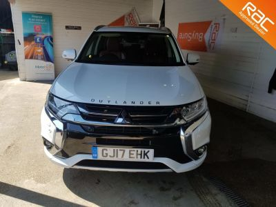 Mitsubishi Outlander 2.0 PHEV GX5hs 5dr Auto Estate Petrol / Electric Hybrid White at 1st Choice Motors London